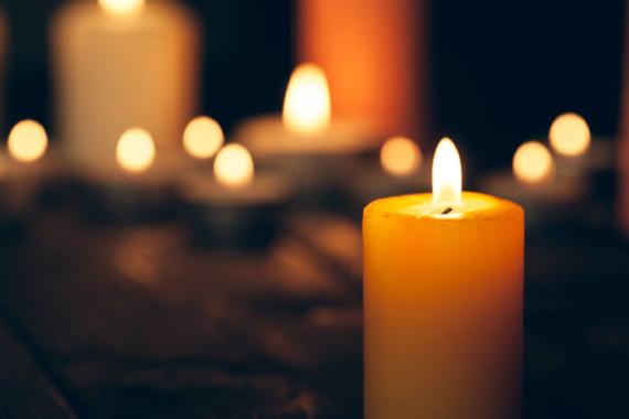 25 mars : Un Notre Père universel à midi et ce soir, 19h30 une bougie sur nos fenêtres